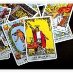 タロット初心者のカードの選び方と始め方について!